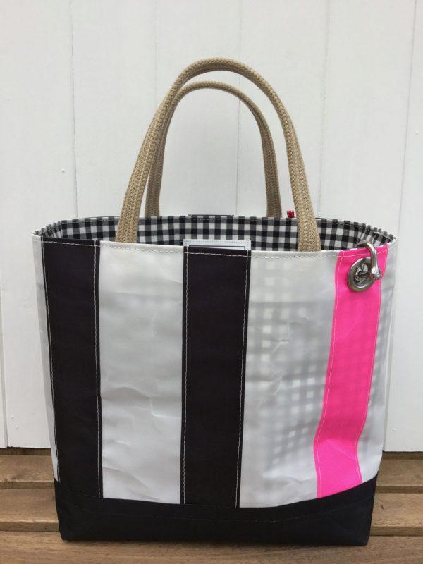 Black stripe 1