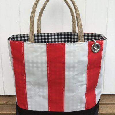 Red stripe 1